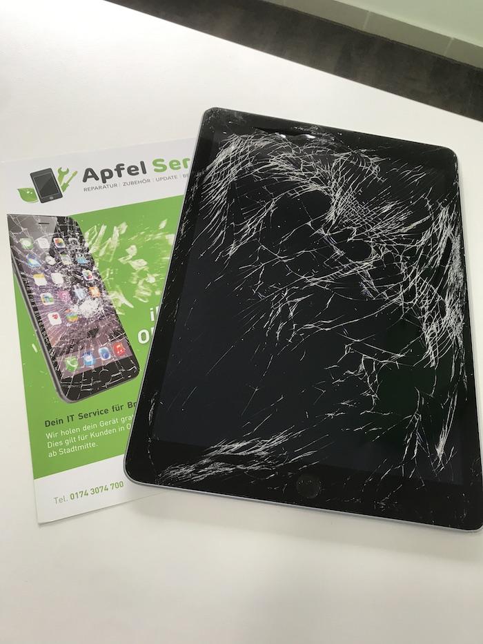 Defektes schwarzes iPad Apfel Service