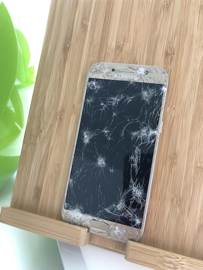 Zerstörtes Samsung S7 Apfel Service
