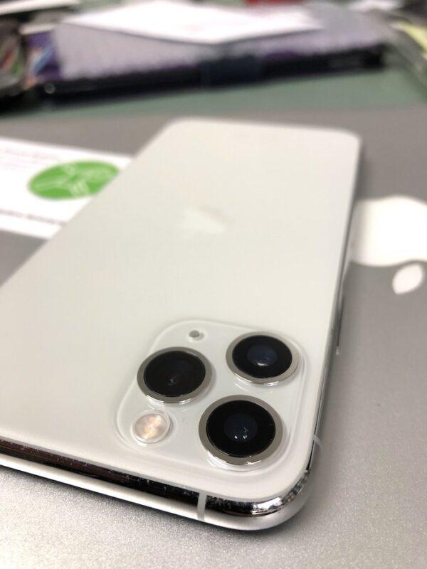 iPhone 11 Pro Kameraglas Reparatur in Bremen bei Apfel Service